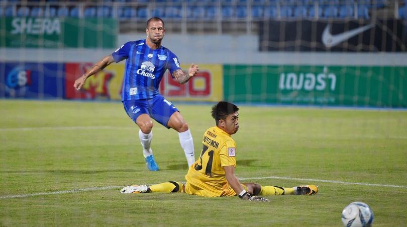 ชลบุรี เอฟซี 5-0 ไทยฮอนด้า ลาดกระบัง เอฟซี